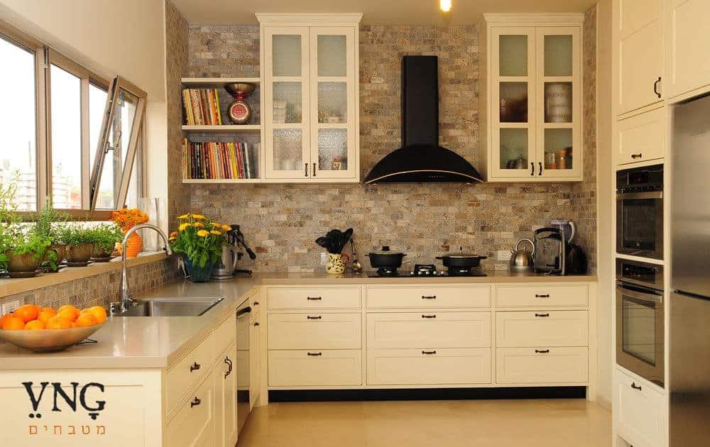מטבח כפרי בסגנון פרובנס