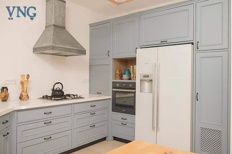 האוסינג למקרר במטבח, בסגנון פרובנס
